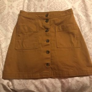 Khaki skirt with front buttons